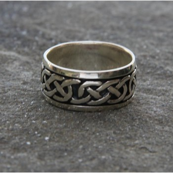 Mens Eternity Knot Band