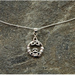 Claddagh with Trinity Knot