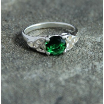 Trinity Ring With Green Crystal