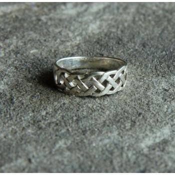 Celtic Eternity Knot Ring C
